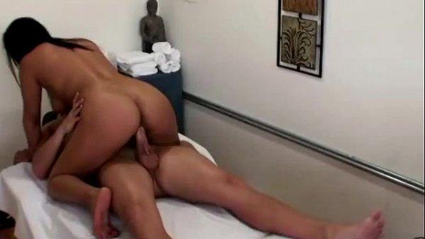 Porno amador com a namoradinha novinha