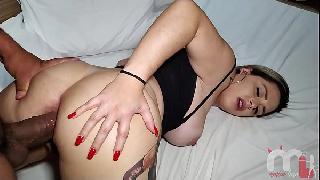 Porno brasileiro caseiro com loira dando a bunda