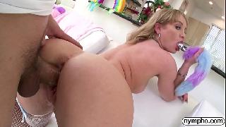 Assistir sexo quente HD com loira bunduda