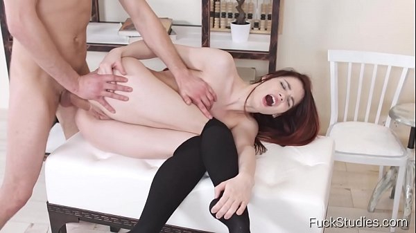 Xvideos sexo anal com ruivinha gritando de prazer