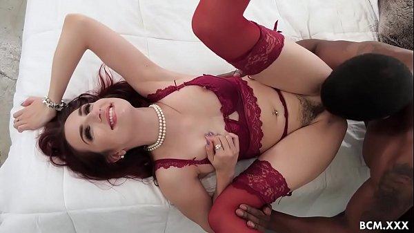 Pornogratis ruivinha sexy fudendo com negão