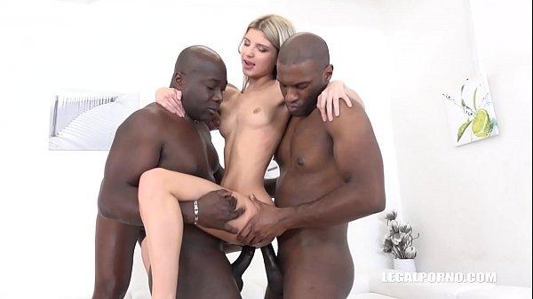 Xxx samba porno orgia e dupla penetração em magrinha