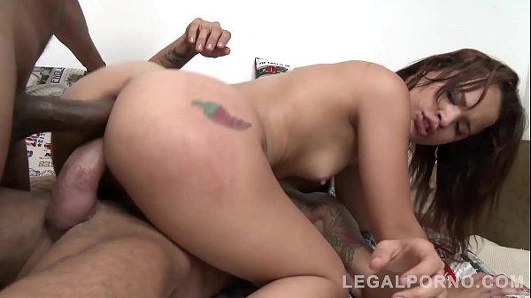 Filmes pornô carioca com novinha fazendo DP