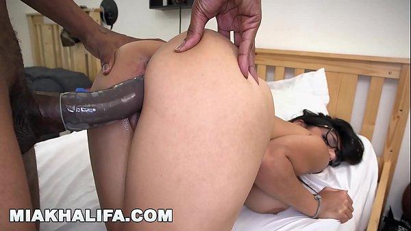 Red tube Mia Khalifa dando a buceta pro negão
