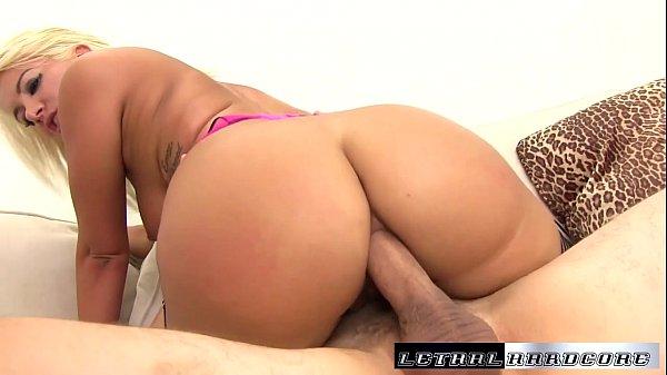 Anal porno grátis com loira dando o bumbum