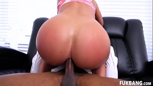 Porno grátis loira cuzuda dando pro amigo do namorado