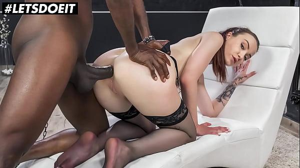 Xvideo anal com branquinha dando pro negão